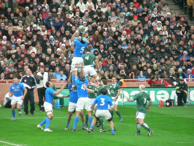 Italy win this lineout