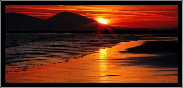 Sunrise_at_caramore_beach_1.JPG