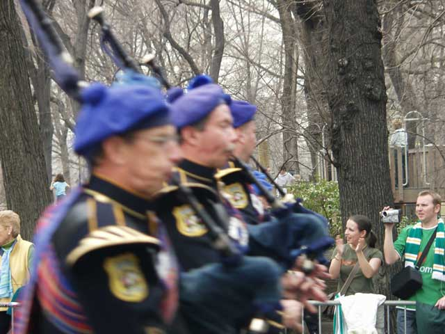 bagpipers2_001.jpg
