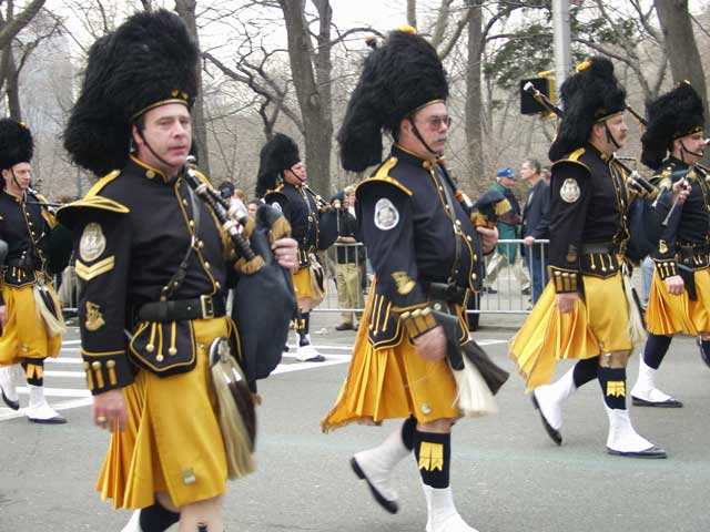 bagpipers_001.jpg