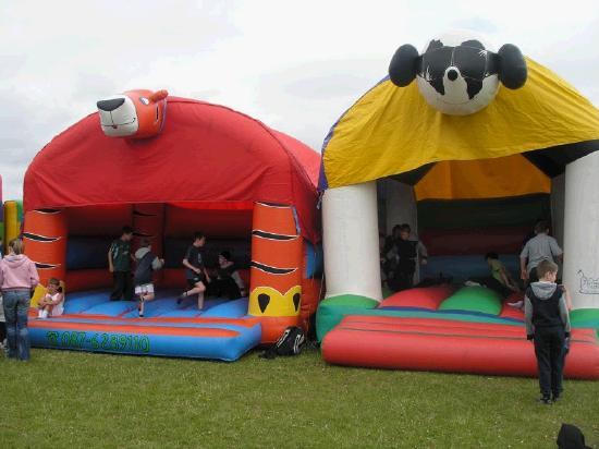 bouncy_castles.jpg