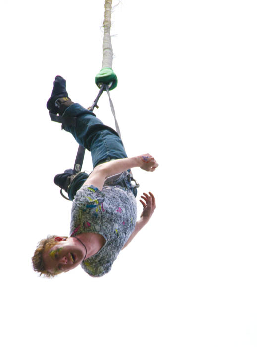 bungee_jumping_on_the_mall4.jpg