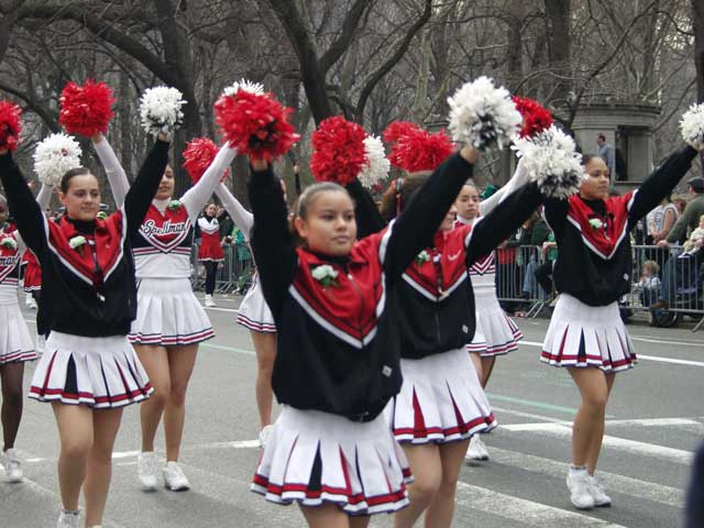 cheerleaders_001.jpg