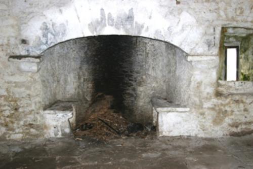 rockfleet_castle_fireplace.jpg