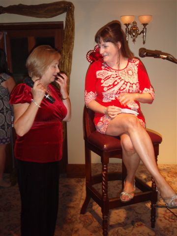 36_Contestant_Michelle_shares_a_laugh_with_Cilla_s_cousin_during_CARI_Fun_Blind_Date_20.08.10.jpg
