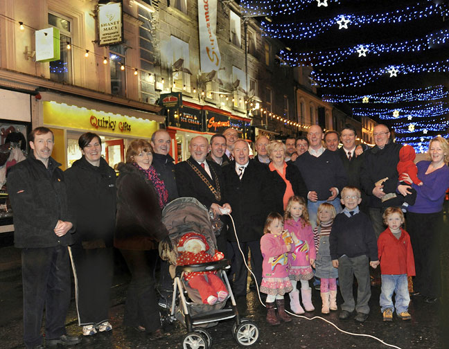 CASTLEBAR_XMAS_LIGHTS_2009.jpg
