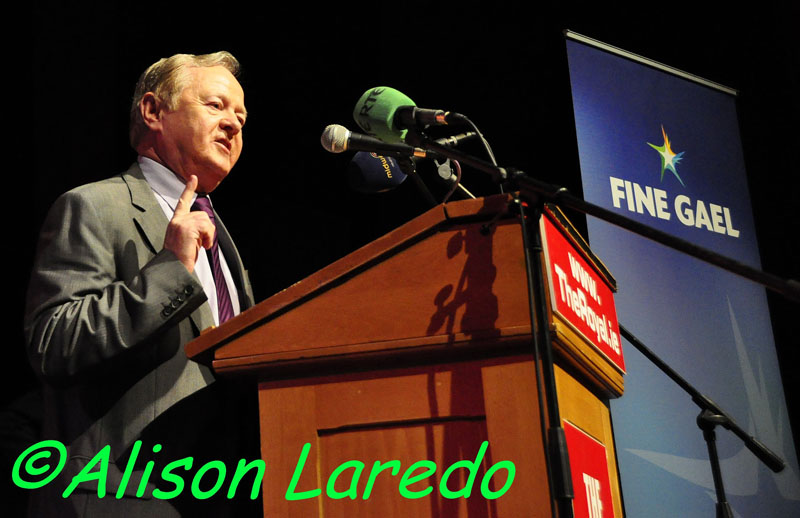 Castlebar_welcomes_Taoiseach_Enda_Kenny_by_Alison_Laredo_14.jpg