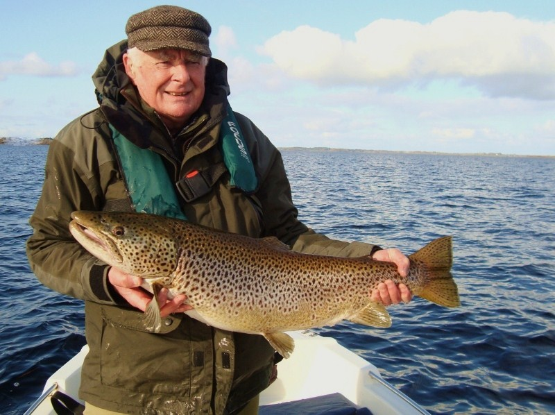 Des_Canning-Trout88cm18lb3oz.jpg