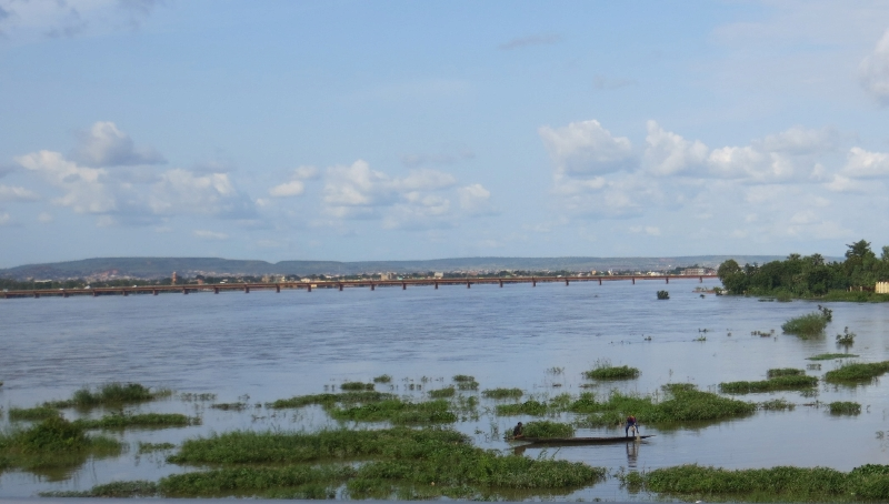 Fishing_in_Bamako.jpg