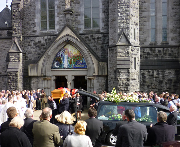 JL_Tony_McHugh_Funeral_201004183.jpg