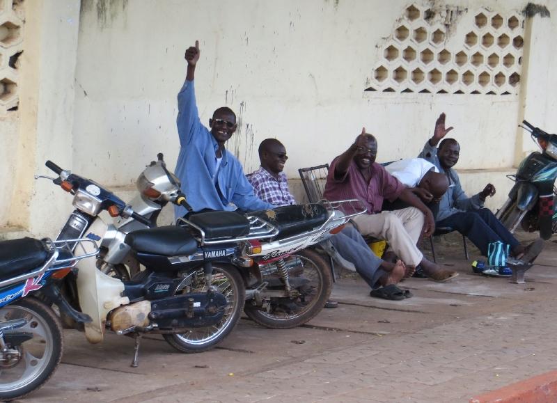 Locals_in_Bamako.jpg