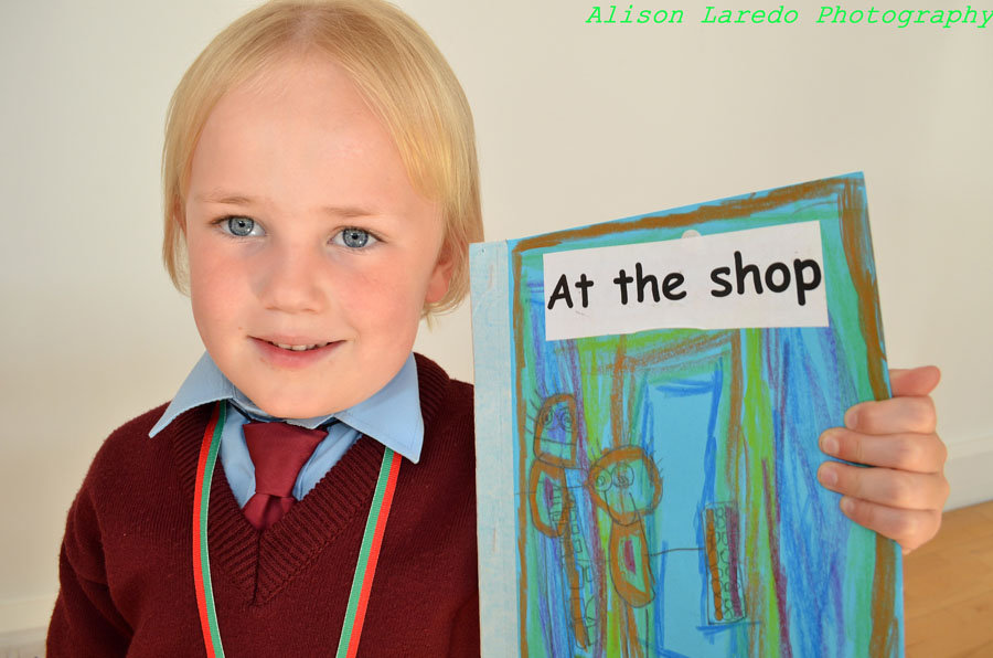 Scr_obh_Leabhar_and_Write_a_Book___by_Alison_Laredo_3.jpg