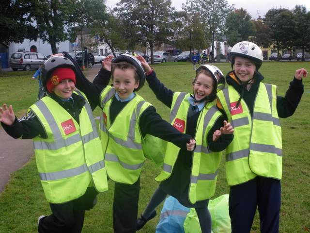 Students_enjoying_the_event_after_their_cycle_safety_workshop.JPG