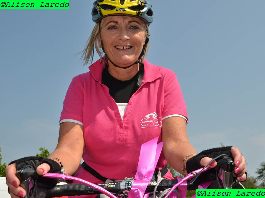 _Pink_Ribbon_100km_Cycle_2011_by_Alison_Laredo_18.jpg