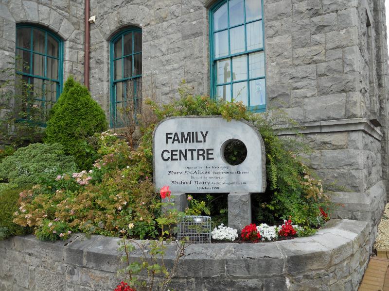 family_centre_building_005.JPG