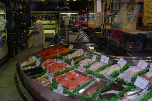 landrover_salmon.jpg