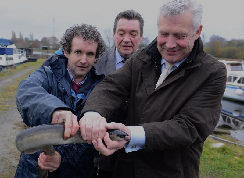 pr42661_1_Brian_Connell_Denis_Maher_Minister_Fergus_Dowd_with_Silver_eel_November_12.JPG