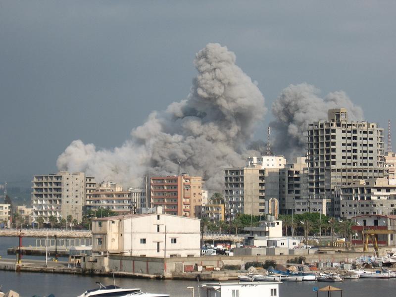 16-07-06_Tyre_Building_Strike.jpg
