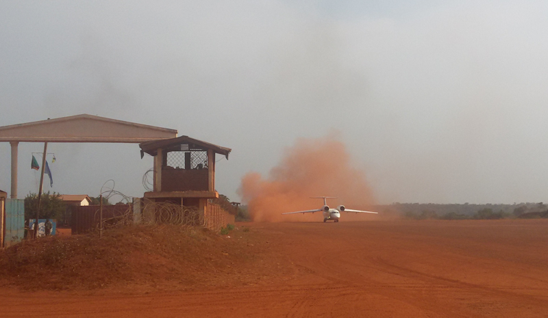 Antonov_taking_off.jpg