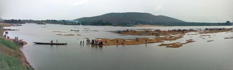 Bangui_on_the_beach_1.jpg