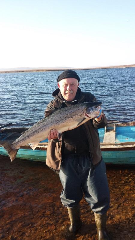Gerry-Carolan-with-his-16lb-salmon-on-Thursday-14th.jpg