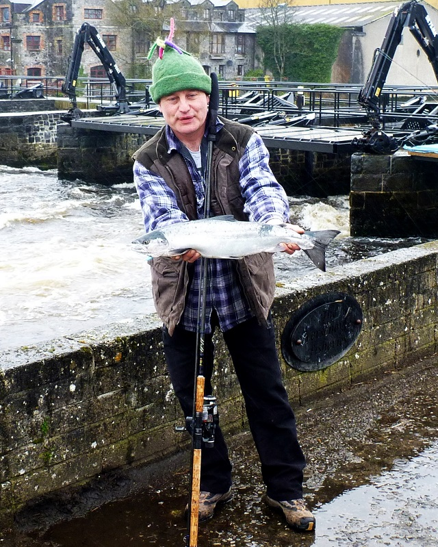 Gerry_Seck_Chairman_ballina_Salmon_Anglers_with_the_first_salmon_of_the_season_from_the_River_Moy.JPG
