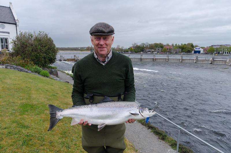Jim_Stafford_12lbs_Galway_Salmon_4_May_2016_.jpg