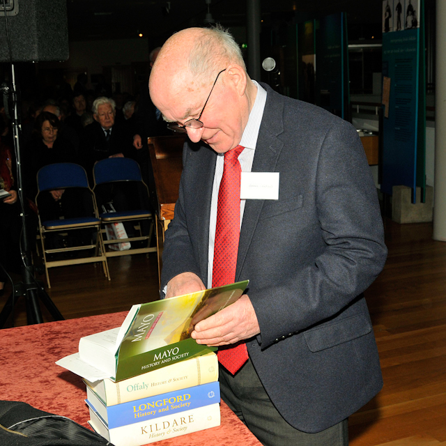 Library_book_launch_DEC_0467.jpg