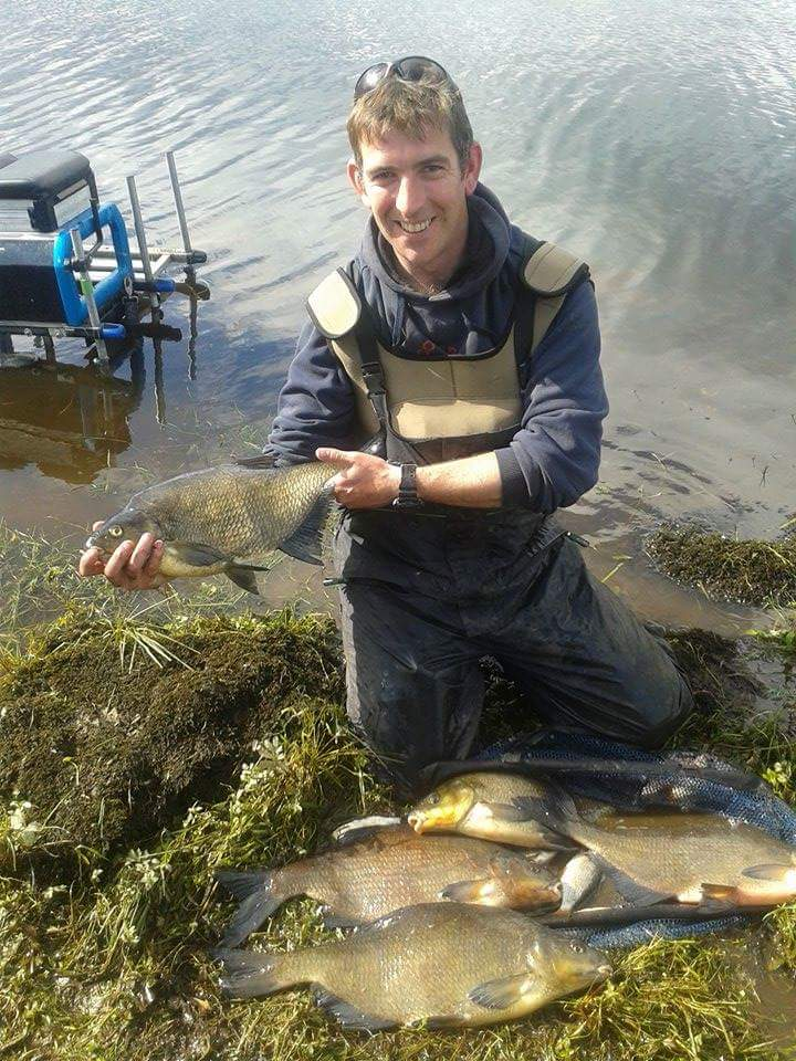 Overall_winner_Keith_Coleman__with_his_12kg_Island_Catch.jpeg