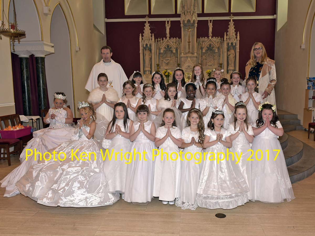 St_Angelas_Communion_Web_may2017_5025.jpg