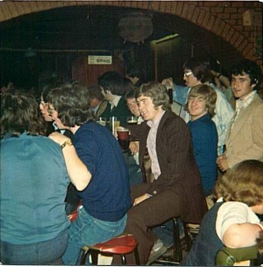 The_Humbert_Inn_regulars_in_1976_taken_by_Sean_Smyth__Springfield.jpg