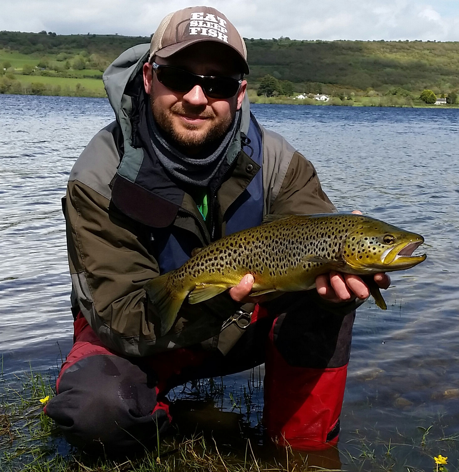 Tomasz_Paluszkiewicz_Sligo_with_a_5_lbs_Lough_Arrow_beauty.jpg