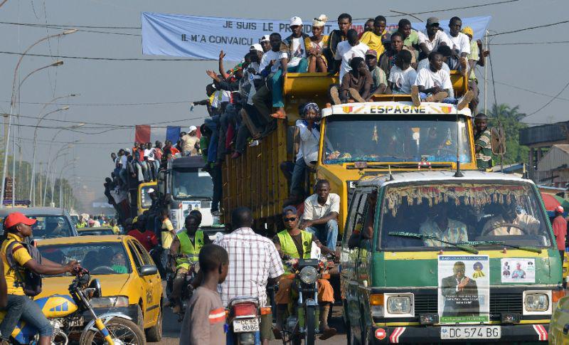 Traffic_in_Bangui.jpg