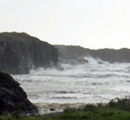 At last some sun in the West of Ireland - combined with a strong wind earlier in the week provided some good surf along the West coast. Click for more surf impressions.