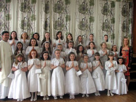 St. Angela's Girls National School, Castlebar celebrated First Holy Communions recently. Click on photo above for their photo gallery with lots more photos.