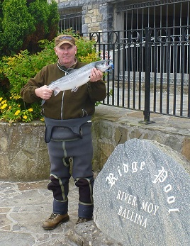The first salmon of 2014 at the Ridge Pool in Ballina. Click on photo for the details.